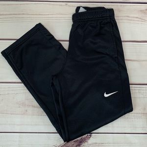 Nike • boys therma fit pants